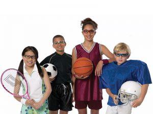 عینک محافظ ورزشی چه نقشی در سلامت چشم کودکان دارد؟